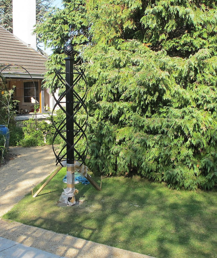Carefully place Rose Pillar in position and prop with timber battens to secure.
